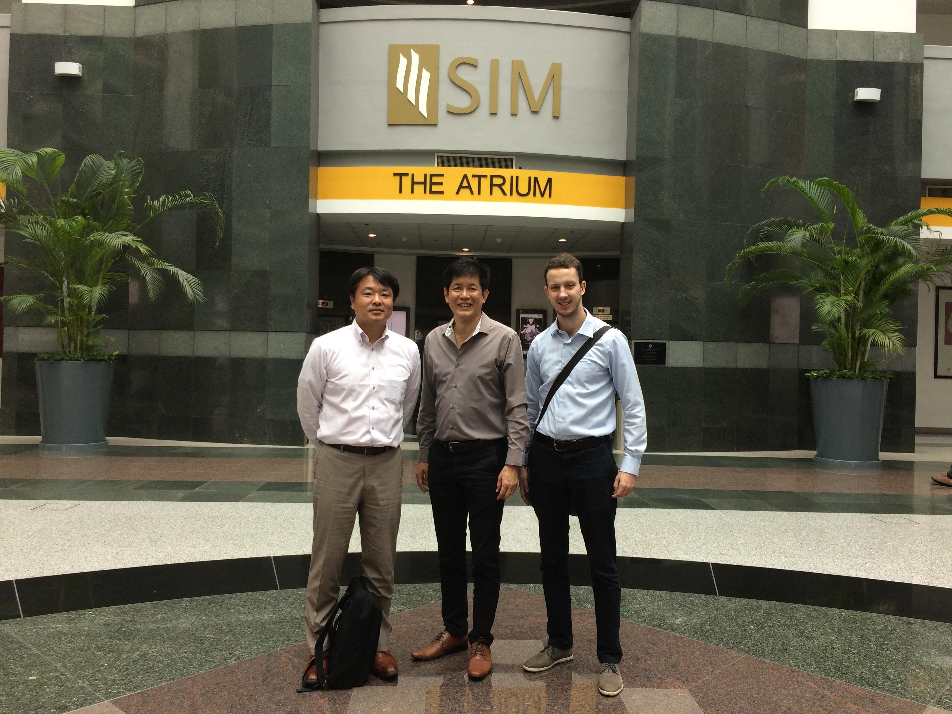 SIM Universityと情報交換
