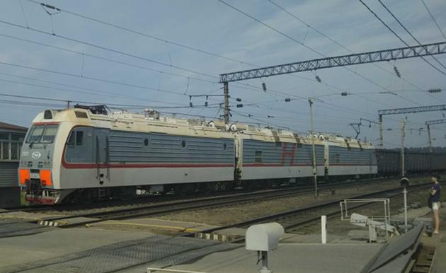 ボストーチヌイ港に石炭を輸送する鉄道