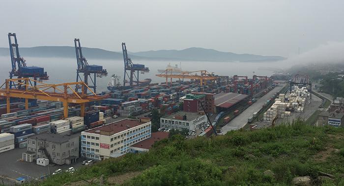 ウラジオストク商業港