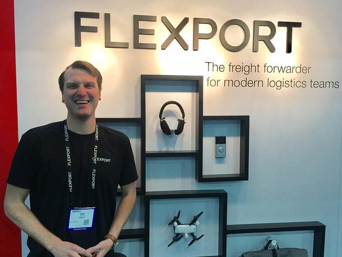 写真3: 説明してくれたFLEXPORT社 サミュエル・テーラー氏